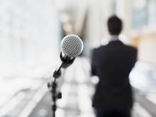上台演讲紧张怎么办?四个办法让你克服紧张,建立自信。