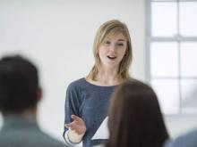 小雅老师:怎样在公众面前讲话不紧张,影响你讲话紧张的因素有哪些?